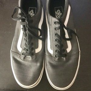 Vans Men shoes 10.5 Gray and white Hardly worn